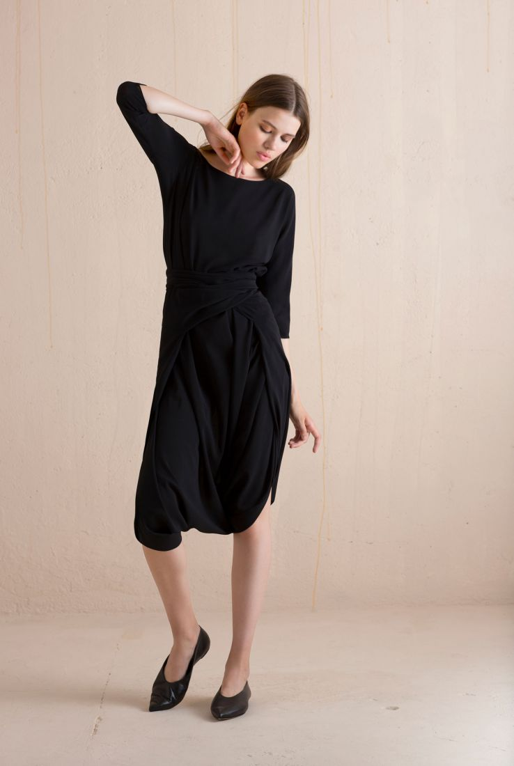 Moha black dress