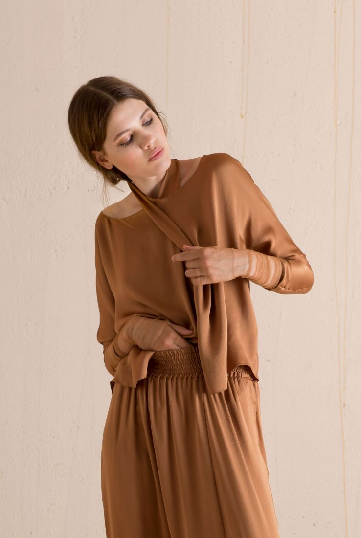 Spoke, silk top in cuire color, AW 17 collection – Cortana Moda
