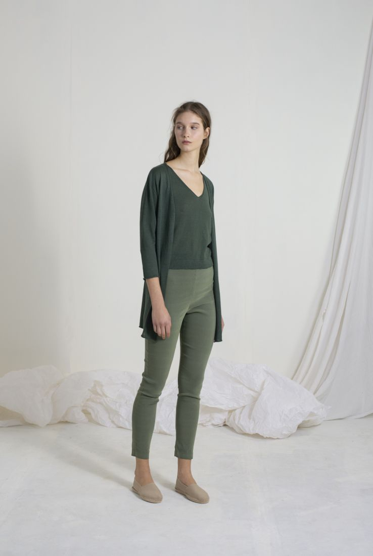 LINEN TOP AND JACKET WITH MANOLO PANTS