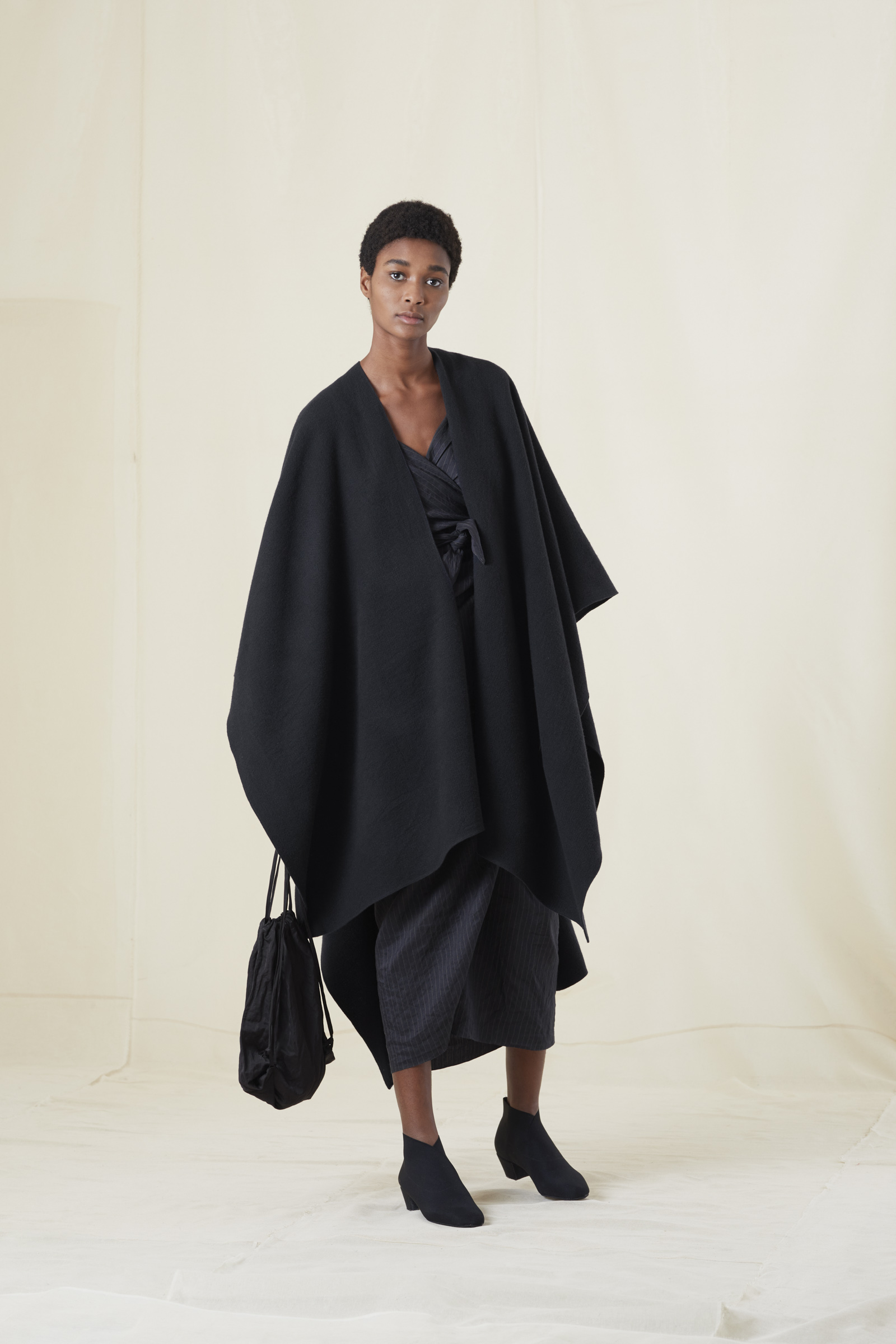 PONCHO, BLUE VIRGIN WOOL COAT - Cortana