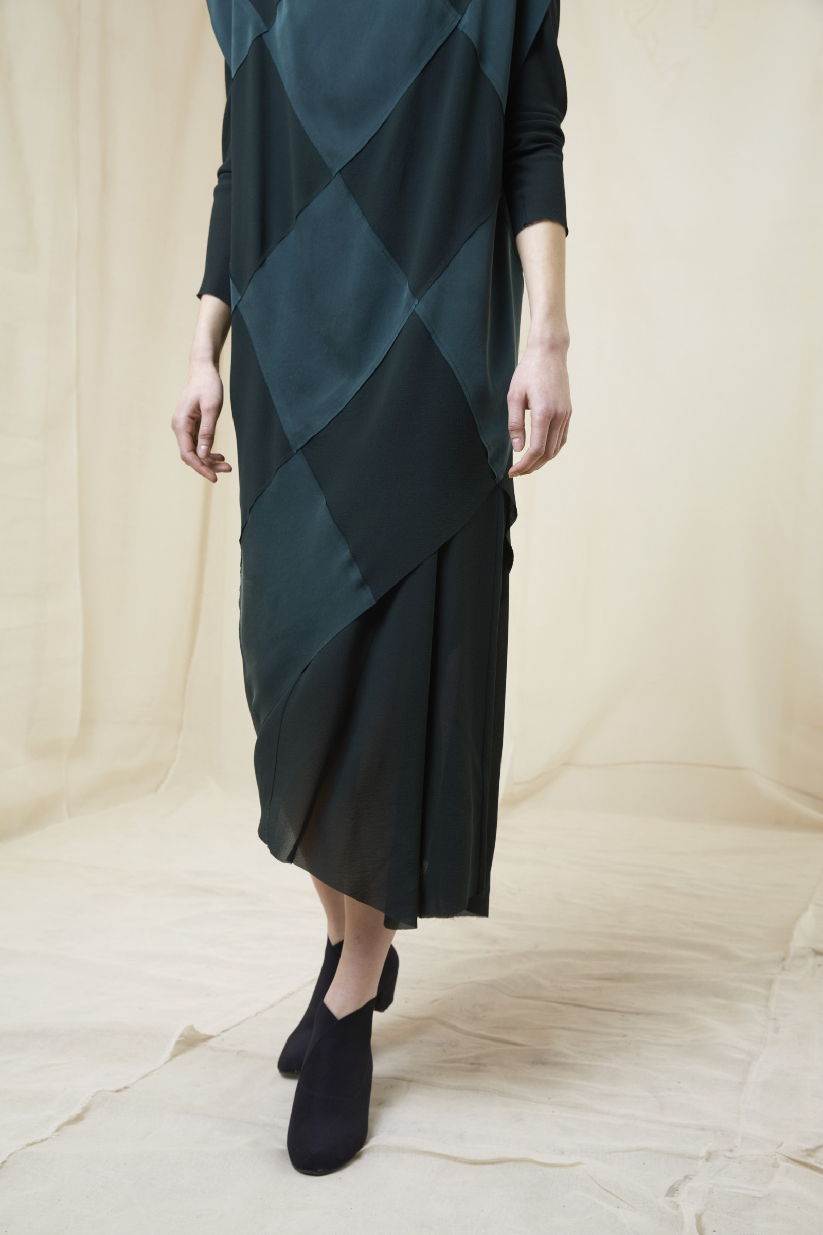 DIAMOND GREEN SILK DRESS - Cortana