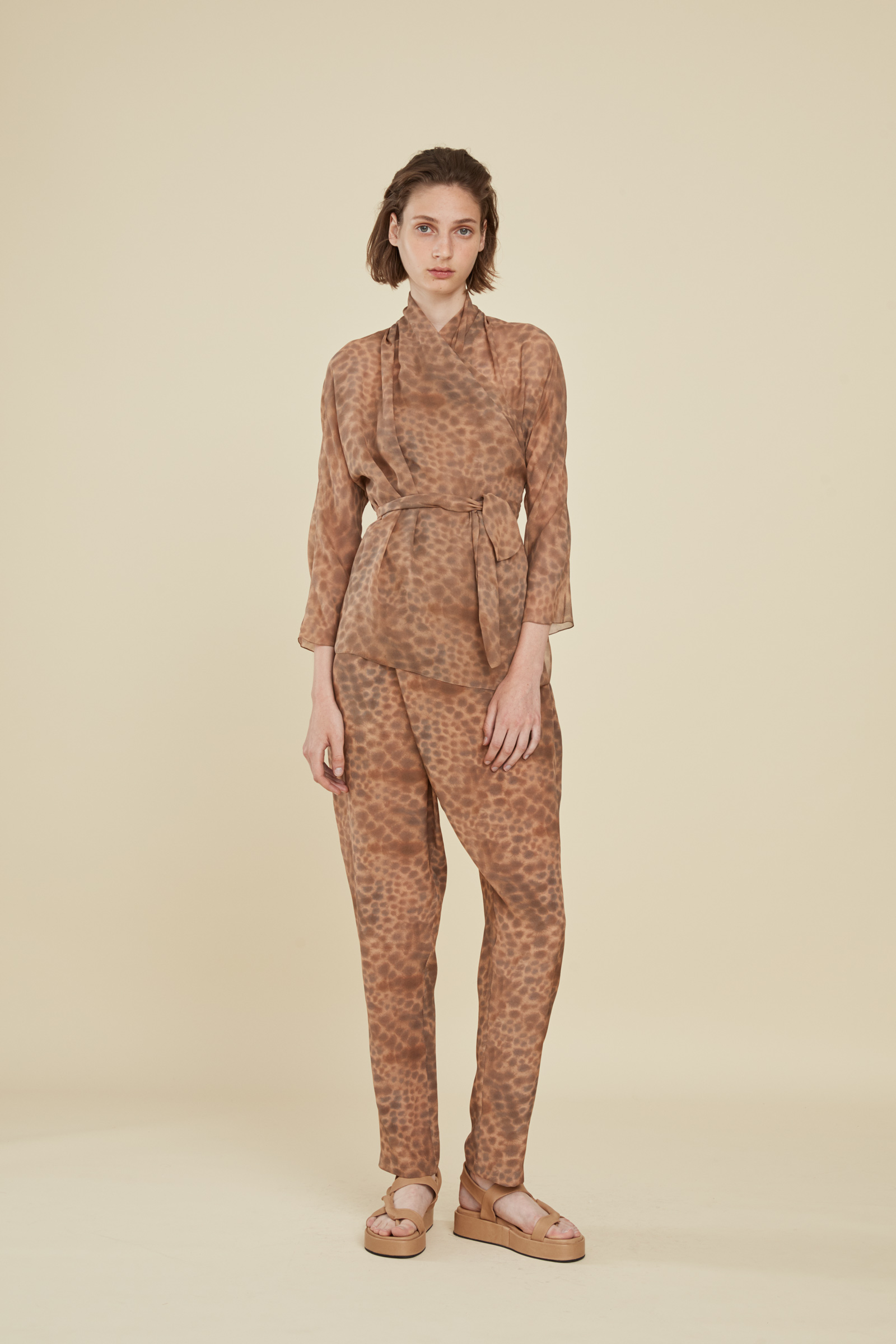 CHEETAH PRINTED SILK PANTS - Cortana
