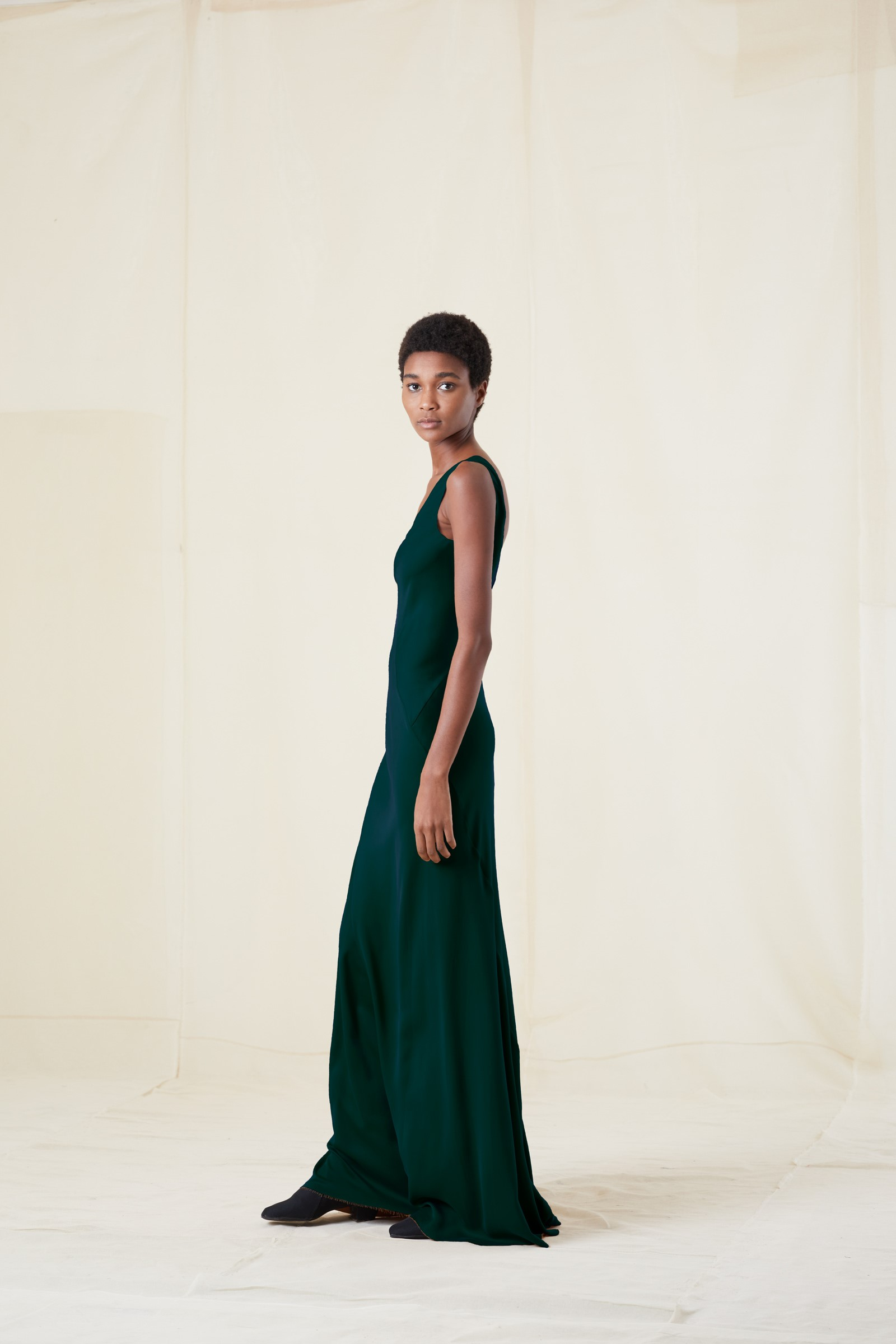 DONNA, GREEN SILK LONG DRESS - Cortana