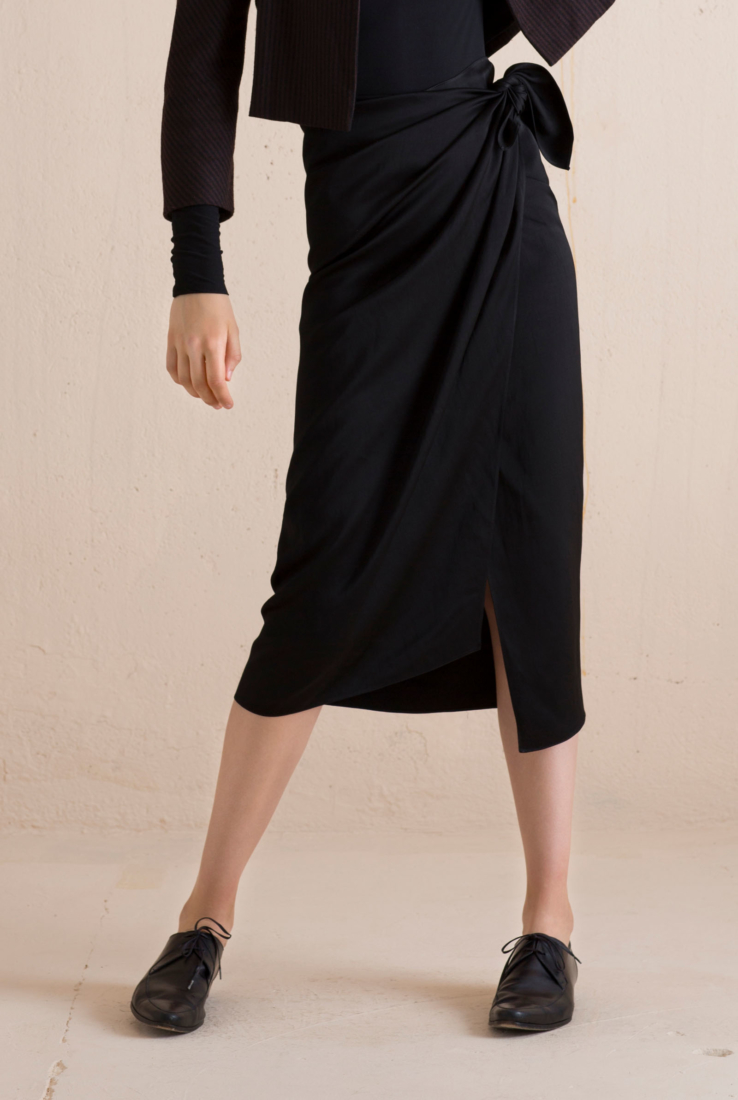 Spoke negro wrap falda
