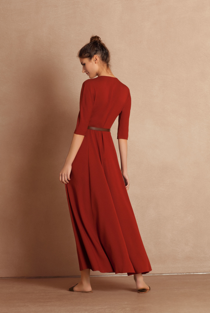 Vestido midi Emilia, en seda roja, Rebajas collection – Cortana Moda
