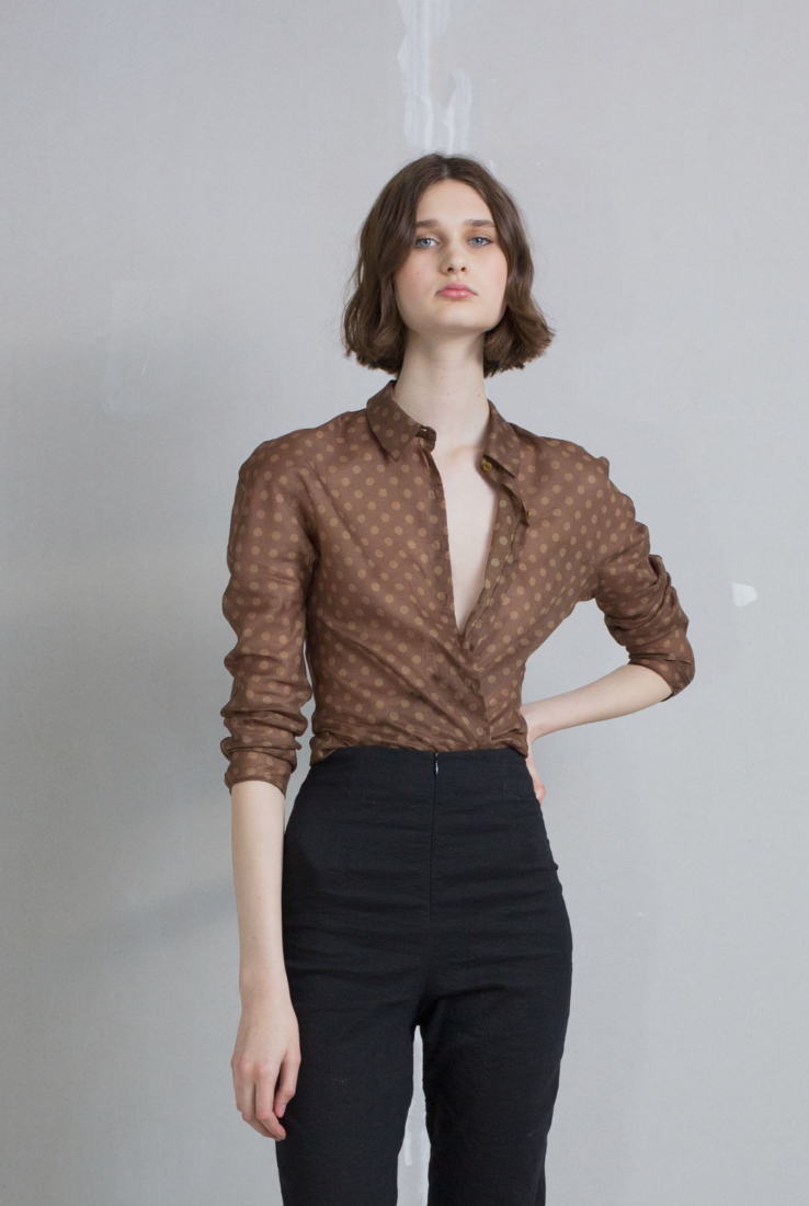 Bemol, top de algodón estampado, brown collection – Cortana Moda