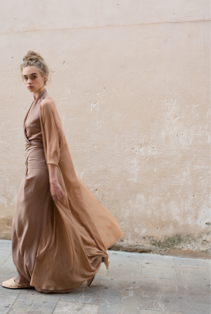 BYBLOS ABRIGO LARGO EN SEDA, SS19 collection – Cortana Moda